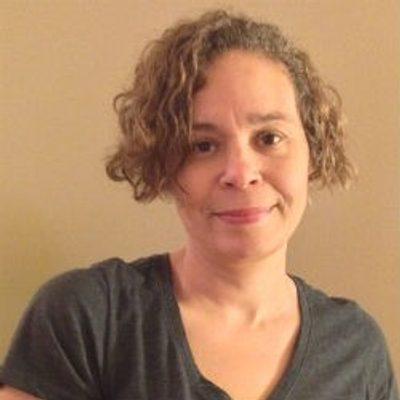 Photo of Lisa Pillow