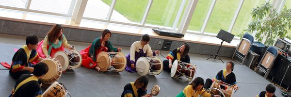 Students share their cultural experiences during International Festival