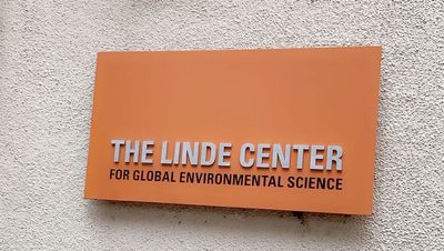 "An orange sign that reads ""The Linde Center for Global Environmental Science"""