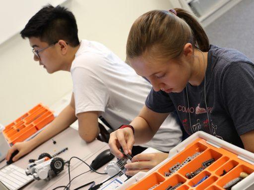 2 robotics students