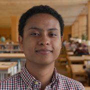 Portrait of student Sebastian Tovar '18.