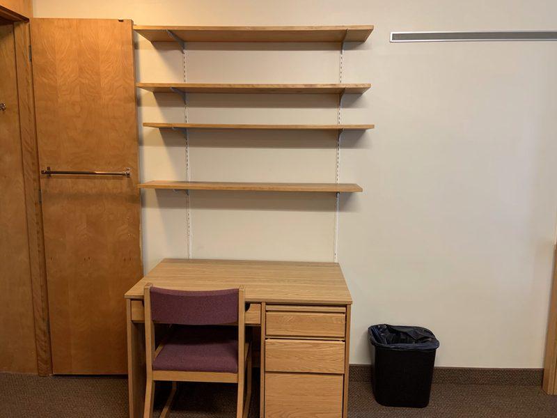 Watson Standard Double Room-Desk & Bookshelves