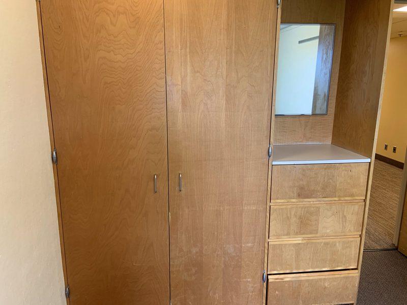 Watson Standard Single Room-Closet & Drawers