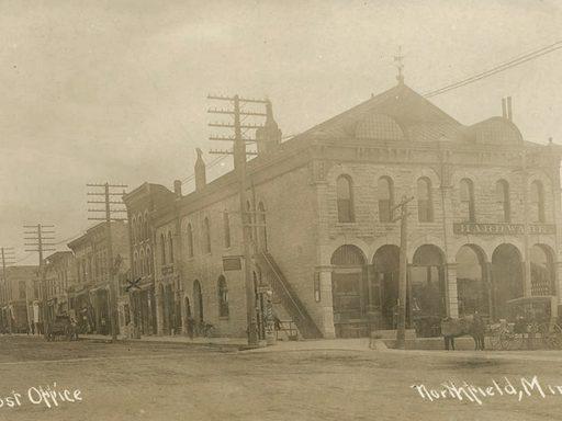 early 1900s photo of downtown Northfield, Minnesota