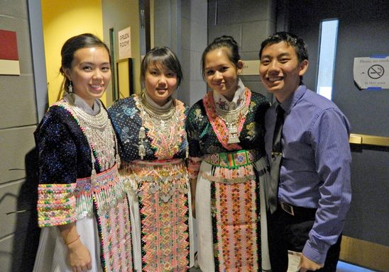 Members of the Coaition of Hmong Students (CHS)