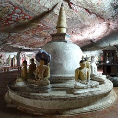 Dambulla, cave temple 48