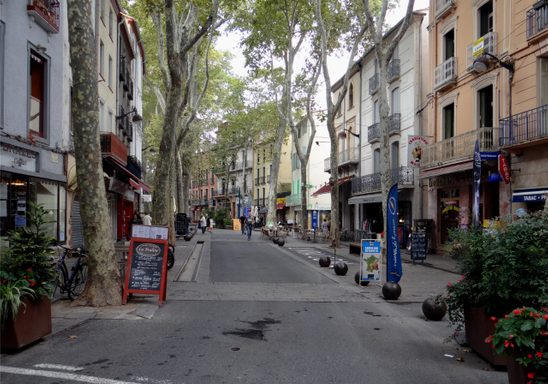 A street view of Céret, France.