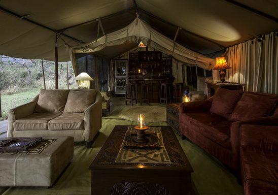 Lions Paw camp, lounge.