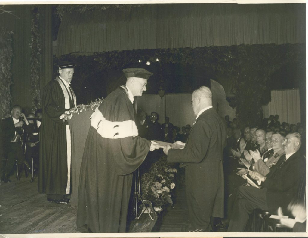 Dean Blayney receiving an Honorary Doctorate at the University of Heidelberg