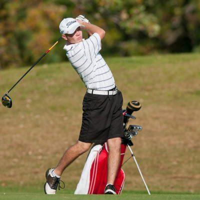 Jorde Ranum swings a golf club