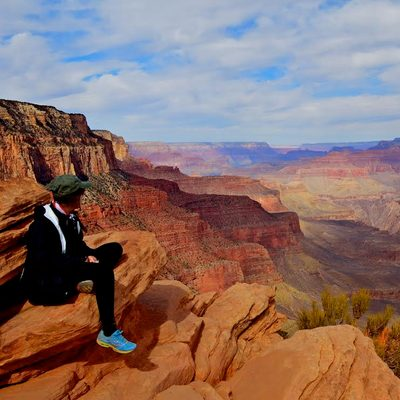 A picturesque view of the Grand Canyon